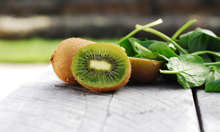 kiwifruit + spinach